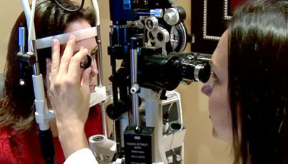 Eye exam to detect Alzheimer's Disease